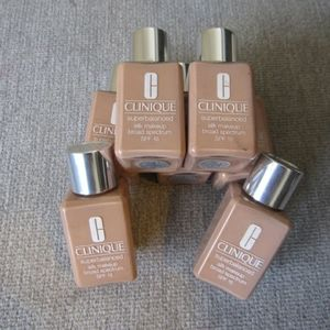 Clinique Superbalanced Silk Foundation